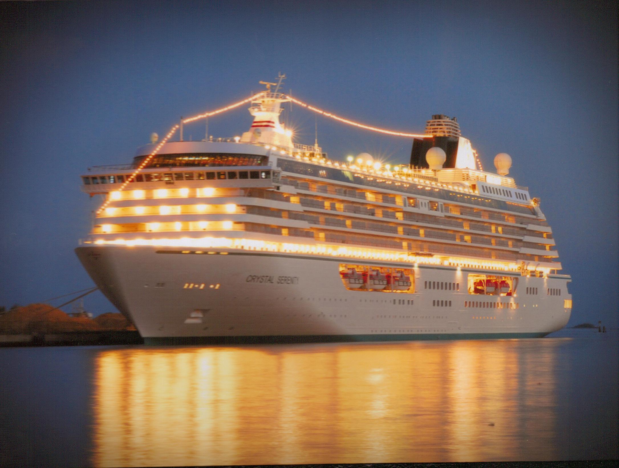 Crystal-Cruises-Serenity